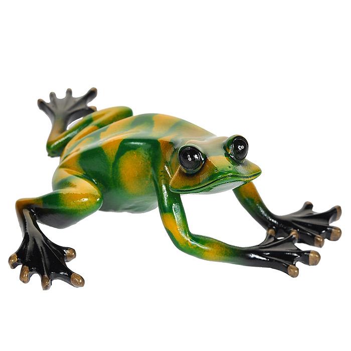 Статуэтка Зеленая лягушка, 14 см512-133Статуэтка Зеленая лягушка выполнена из высококачественного полистоуна. Статуэтка вылеплена вручную, вырезана, расписана, украшена эмалью, покрыта глазурью. Художественный талант и руки мастера гарантируют, что двух похожих друг на друга фигурок нет. Характеристики: Материал: полистоун. Размер статуэтки: 14 см х 12 см х 6,5 см. Размер упаковки: 17,5 см х 5,5 см х 14 см. Артикул: 512-133.