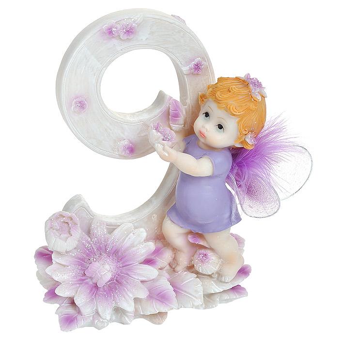 Статуэтка Именинный ангелочек. 9 лет514-1034Статуэтка Именинный ангелочек. 9 лет, выполненная из полистоуна, станет отличным подарком для вашего малыша! Все мы знаем, как порой непросто бывает выбрать подходящий подарок к тому или иному торжеству, а декоративные статуэтки Molento всегда были и останутся оригинальным подарком. Этот вид сувенира нельзя назвать бесполезной вещью. Статуэтка может стать великолепным украшением интерьера. На протяжении долгих лет, дизайнеры используют статуэтки для придания интерьеру особого шарма.