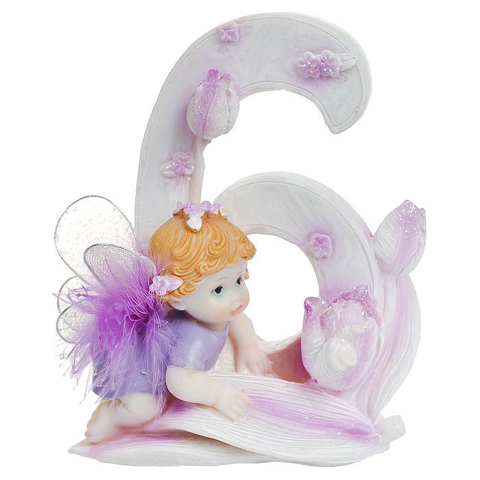Статуэтка Именинный ангелочек. 6 лет514-1031Статуэтка Именинный ангелочек. 6 лет, выполненная из полистоуна, станет отличным подарком для вашего малыша! Все мы знаем, как порой непросто бывает выбрать подходящий подарок к тому или иному торжеству, а декоративные статуэтки Molento всегда были и останутся оригинальным подарком. Этот вид сувенира нельзя назвать бесполезной вещью. Статуэтка может стать великолепным украшением интерьера. На протяжении долгих лет, дизайнеры используют статуэтки для придания интерьеру особого шарма. Характеристики: Материал: полистоун. Размер статуэтки: 12 см х 9 см х 6 см. Размер упаковки: 13 см х 10 см х 8 см. Артикул: 514-1031.