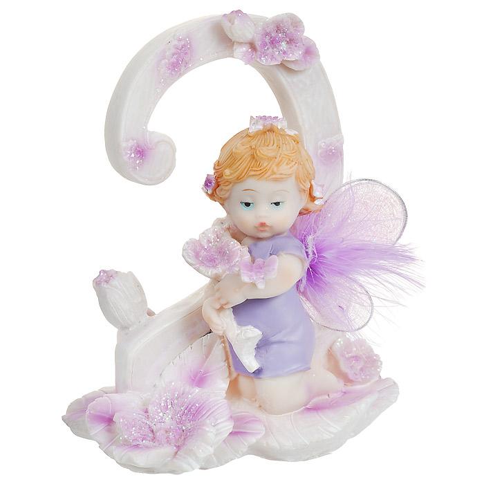 Статуэтка Именинный ангелочек. 2 года514-1027Статуэтка Именинный ангелочек. 2 года, выполненная из полистоуна, станет отличным подарком для вашего малыша! Все мы знаем, как порой непросто бывает выбрать подходящий подарок к тому или иному торжеству, а декоративные статуэтки Molento всегда были и останутся оригинальным подарком. Этот вид сувенира нельзя назвать бесполезной вещью. Статуэтка может стать великолепным украшением интерьера. На протяжении долгих лет, дизайнеры используют статуэтки для придания интерьеру особого шарма. Характеристики: Материал: полистоун. Размер статуэтки: 9,5 см х 6 см х 12 см. Размер упаковки: 10 см х 7,5 см х 13 см. Артикул: 514-1027.