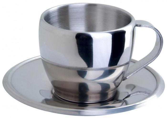 Чайная пара Coppa, 2 предмета93-TP13Чайная пара Linea Coppa, изготовленная из высококачественной нержавеющей пищевой стали с зеркальной полировкой, состоит из чашки и блюдца. Надежная точечная спайка металлических частей обеспечивает особую прочность изделиям. Чашка с двойными стенками дольше сохраняет температуру напитка, а стенки прохладными; терморучка чашки защищает от ожогов. Подходит для использования в посудомоечных машинах. Изысканная простота оформления и современный дизайн позволяют чайной паре органично вписаться в интерьер офиса, кухни, кофейни. Характеристики: Материал: нержавеющая сталь. Высота чашки: 7 см. Объем чашки: 200 мл. Диаметр чашки (без учета ручки): 7 см. Диаметр блюдца: 12 см. Размер упаковки: 13 см х 13 см х 7,5 см. Производитель: Италия. Артикул: 93-TP13.