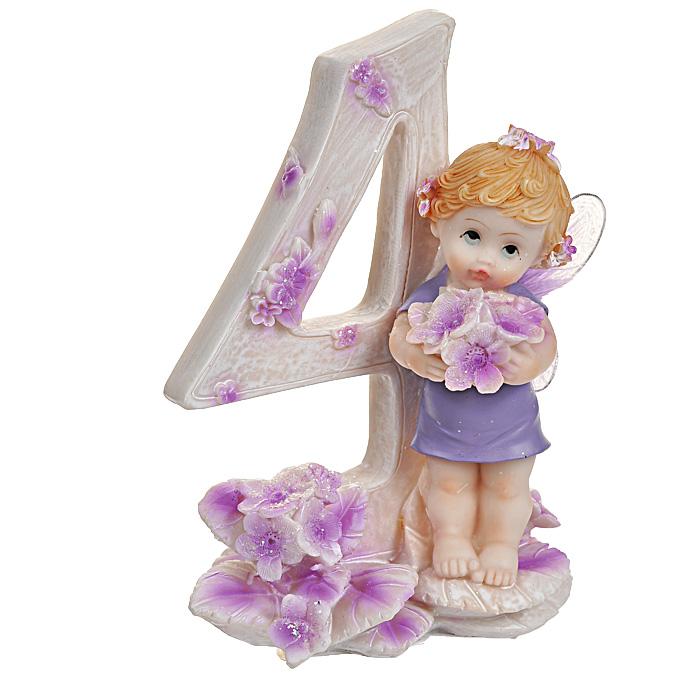 Статуэтка Именинный ангелочек. 4 года514-1029Статуэтка Именинный ангелочек. 4 года, выполненная из полистоуна, станет отличным подарком для вашего малыша! Все мы знаем, как порой непросто бывает выбрать подходящий подарок к тому или иному торжеству, а декоративные статуэтки Molento всегда были и останутся оригинальным подарком. Этот вид сувенира нельзя назвать бесполезной вещью. Статуэтка может стать великолепным украшением интерьера. На протяжении долгих лет, дизайнеры используют статуэтки для придания интерьеру особого шарма.