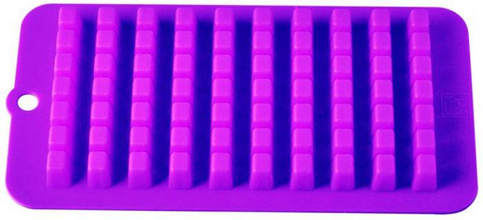 Форма для льда и десерта Кубики, силиконовая, цвет: фиолетовый, 70 ячеек93-SI-FO-16.7Форма для льда и десерта Кубики выполнена из силикона и предназначена для изготовления льда. На одном листе расположено 70 небольших квадратных ячеек. Силиконовые формы выдерживают высокие и низкие температуры (от -40°С до +230°С). Они эластичны, износостойки, легко моются, не горят и не тлеют, не впитывают запахи, не оставляют пятен. Силикон абсолютно безвреден для здоровья. Не используйте моющие средства, содержащие абразивы. Можно мыть в посудомоечной машине. Характеристики: Материал: силикон. Общий размер формы: 21 см х 11 см х 2 см. Размер ячейки: 1 см х 1 см х 2 см. Размер упаковки: 30 см х 12,5 см х 2,2 см. Изготовитель: Италия. Артикул: 93-SI-FO-16.7.