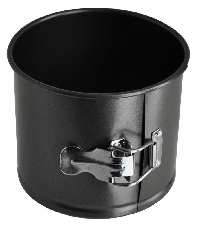 Форма для кекса Regent Inox Easy, круглая, разъемная, 14 х 12 см93-CS-EA-5-11Круглая форма для выпечки кексов Regent Inox Easy выполнена из высококачественной углеродистой стали и снабжена антипригарным керамическим покрытием, что обеспечивает форме прочность и долговечность. Форма равномерно и быстро прогревается, что способствует лучшему пропеканию пищи. Данную форму легко чистить. Готовая выпечка без труда извлекается из формы. Форма подходит для использования в духовке с максимальной температурой 250°С. Перед каждым использованием форму необходимо смазать небольшим количеством масла. Чтобы избежать повреждений антипригарного покрытия, не используйте металлические или острые кухонные принадлежности. Можно мыть в посудомоечной машине.