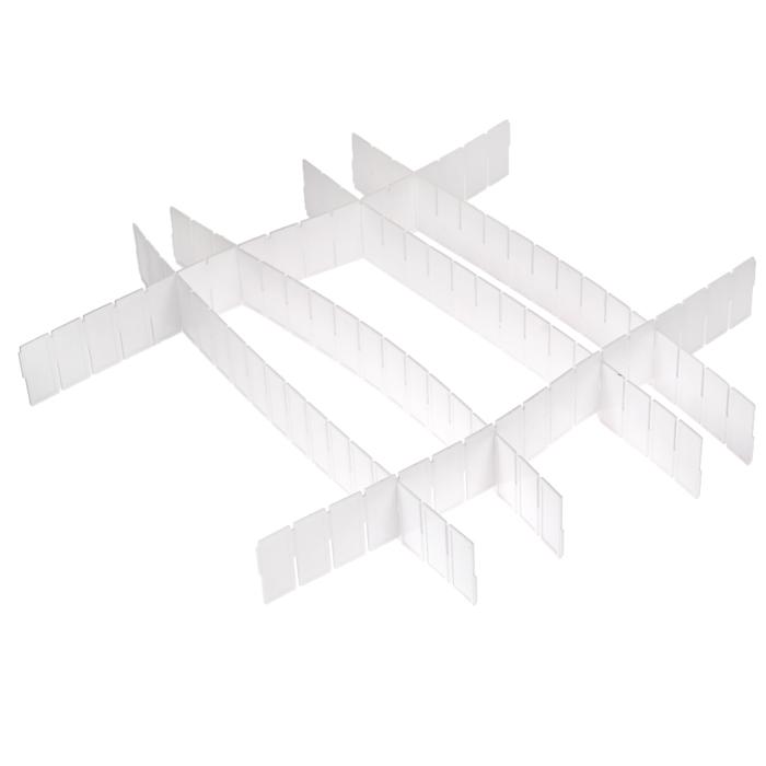 Набор разделителей для ящиков Loks, цвет: белый, 6 штL102-111Набор разделителей для ящиков Loks выполнен из пластика белого цвета. Пластиковые разделители предназначены для организации пространства в ящиках столов и шкафов. Особая конструкция изделия позволяет оптимально подобрать размер секций под разные типы ящиков (в случае необходимости лишние секции разделителей можно отрезать). Набор укомплектован инструкцией по установке. Набор разделителей для ящиков Loks поможет сохранить порядок и оптимизировать пространство ящика. Характеристики: Материал: пластик. Цвет: белый. Размер разделителей: 43 см х 5 см. Комплектация: 6 шт. Размер упаковки: 45 см х 7 см х 2 см. Артикул: L102-111. Страна: Китай.