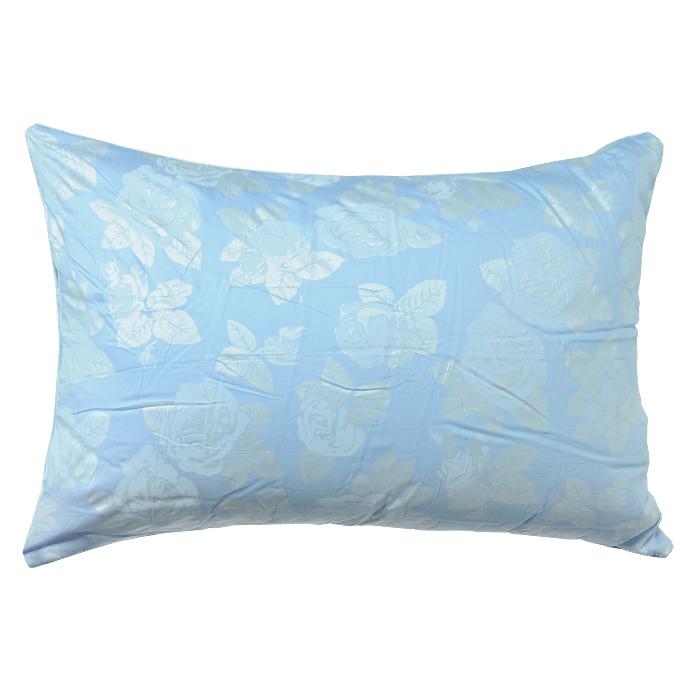 Подушка Rosalia, наполнитель: экофайбер, цвет: голубой, 72 х 50 см111031100-РСМягкая и легкая подушка Rosalia не оставит равнодушными тех, кто ценит красоту и комфорт. Чехол выполнен из сатина голубого цвета с цветочным узором розы, внутри - наполнитель экофайбер. Этот наполнитель очень теплый, гипоаллергенный, не впитывает пыль и запахи. Благодаря ему изделия сохраняют форму и объем долгое время. Объем подушки можно регулировать. Подушка упакована в пластиковую сумку-чехол, закрывающуюся на застежку-молнию. Можно стирать в стиральной машине.