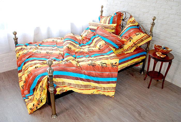 Комплект белья Токай (2-х спальный КПБ, сатин, 4 наволочки 50х70, 70х70)Т-1347-07_2-спальныйКомплект постельного белья Токай, изготовленный из сатина, поможет вам расслабиться и подарит спокойный сон. Постельное белье имеет изысканный внешний вид и обладает яркостью и сочностью цвета. Комплект состоит из пододеяльника, простыни и четырех наволочек. Все предметы комплекта цельнокроеные. Благодаря такому комплекту постельного белья вы сможете создать атмосферу уюта и комфорта в вашей спальне. Сатин производится из высших сортов хлопка, а своим блеском, легкостью и на ощупь напоминает шелк. Такая ткань рассчитана на 200 стирок и более. Постельное белье из сатина превращает жаркие летние ночи в прохладные и освежающие, а холодные зимние - в теплые и согревающие. Благодаря натуральному хлопку, комплект постельного белья из сатина приобретает способность пропускать воздух, давая возможность телу дышать. Одно из преимуществ материала в том, что он практически не мнется и ваша спальня всегда будет аккуратной и нарядной. Страна: Россия. Материал: сатин...