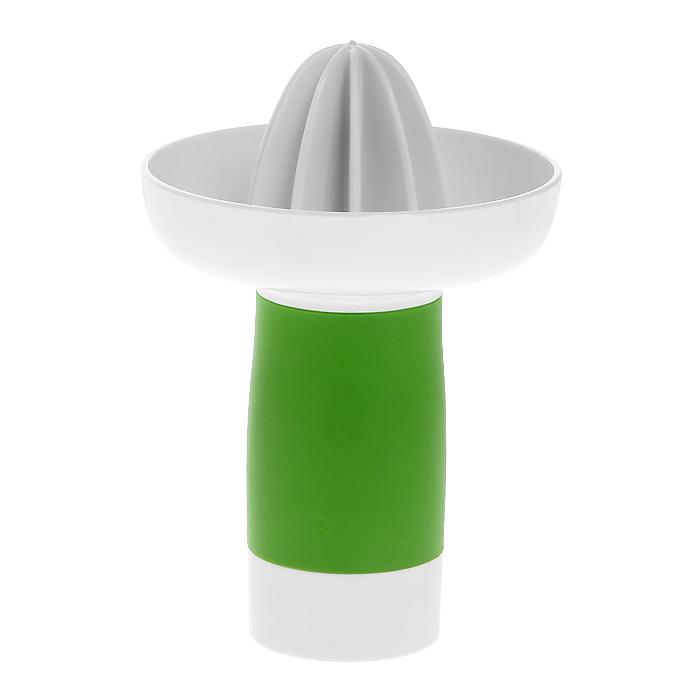 Соковыжималка ручная Zyliss Easy SqueezyE960001Соковыжималка Zyliss Easy Squeezy, выполненная из высококачественного пластика, станет полезным аксессуаром на любой кухне. Удобная ручка из прорезинненого пластика позволяет точно зафиксировтаь соковыжималку в руке. Соковыжималка идеально подойдет для мелких и крупных цитрусовых фруктов. Достаточно разрезать фрукты пополам, зафиксировать на держателе и покрутить. Сок выливается через специальное отверстие в ручке. Простая и удобная в использовании соковыжималка Zyliss Easy Squeezy займет достойное место среди кухонного инвентаря.