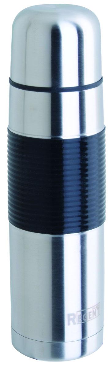 Термос Regent Inox, 1 л. 93-TE-B-2-100093-TE-B-2-1000Термос Regent Inox изготовлен из высококачественной пищевой нержавеющей стали с современной технологией теплоизолляции. Высокая надёжность и долговечность. Имеется глубокий вакуум и двойная металлическая колба, способствующая более длительному сохранению тепла. Термос удобен в использовании дома, на даче, в турпоходе и на рыбалке. Пригодится на работе, в офисе и командировке, экономит электроэнергию и время. Прилагается чехол из кожзама, на ремне.