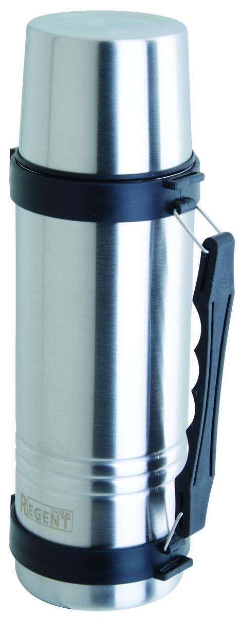 Термос Regent Inox, 0.75 л. 93-TE-T-1-75093-TE-T-1-750Термос Regent Inox изготовлен из высококачественной пищевой нержавеющей стали с современной технологией теплоизолляции. Высокая надёжность и долговечность. Имеется глубокий вакуум и двойная металлическая колба, способствующая более длительному сохранению тепла. Термос удобен в использовании дома, на даче, в турпоходе и на рыбалке. Пригодится на работе, в офисе и командировке, экономит электроэнергию и время. Удобная ручка-ремень сделает переливание жидкостей более комфортным.