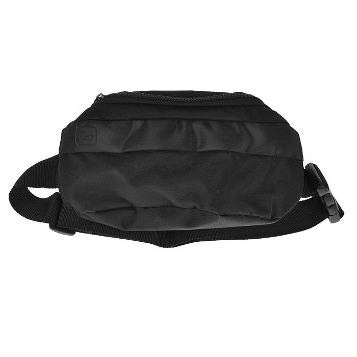 Сумка на пояс Go travel, цвет: черный. 252 DG252 DGУниверсальная дорожная сумка на пояс Go Travel позволит вам взять с собой все необходимые ценные вещи, оставив руки свободными. Сумка выполнена из прочного водонепроницаемого материала черного цвета, состоит из двух вместительных отделений на застежках-молниях и снабжена регулируемым по длине поясным ремнем с надежным пластиковым карабином-трезубцем. Характеристики: Материал: полиэстер, пластик. Размер сумки: 26,5 см x 15 см x 6 см. Цвет: черный. Изготовитель: Китай. Артикул: 252 DG.