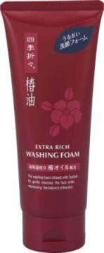 Пенка для умывания Shiki-Oriori с экстрактом камелии, для сухой и нормальной кожи, 130 г017481Супер увлажняющий компонент масло камелии позволяет надолго сохранить кожу увлажненной и придать ей незабываемую цветущую свежесть. Густая пена мягко очищает кожу, а входящее в состав растительное мыло оказывает смягчающее и очищающее действие.