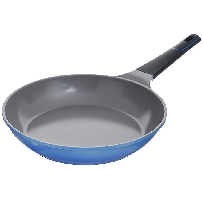 Сковорода Frybest Azure, цвет: голубой. Диаметр 32 см. AZ-32FAZ-32FПрактичная и удобная сковорода Frybest Azure прекрасно подойдет приготовления различных блюд. Сковорода изготовлена из высококачественного литого алюминия с керамическим покрытием Ecolon как внутри, так и снаружи. Это покрытие является экологичным, так как состоит только из натуральных компонентов, таких как камень и песок. Благодаря этому в процессе приготовления пищи посуда не выделяет вредные вещества. Инновационное антипригарное покрытие позволяет готовить практически без масла и предохраняет продукты от пригорания. Слой анионов (отрицательно заряженных ионов) обладает антибактериальными свойствами. Они намного дольше сохраняют приготовленную пищу свежей. Также покрытие обладает непревзойденной прочностью и устойчивостью к царапинам, поэтому во время готовки можно использовать металлические аксессуары. Благодаря такому покрытию сковороду легко мыть после использования. Сковорода имеет специальное утолщенное дно для идеальной теплопроводимости. Она очень быстро...