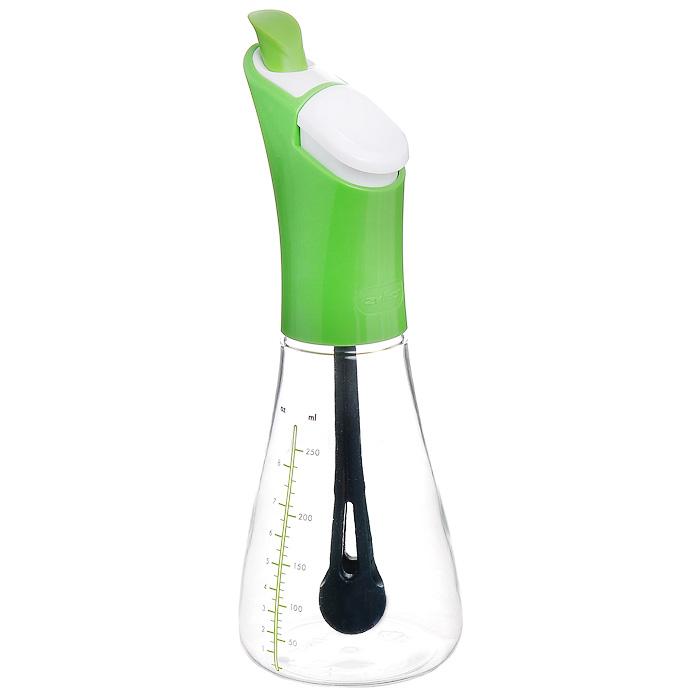 Емкость для масла Zyliss Shaken Pour, 250 млE970001Емкость для масла Zyliss Shaken Pour с мерной шкалой изготовлена из прозрачного пластика. При помощи этой емкости можно отмерять необходимые порции жидких продуктов - масла или уксуса. Можно мыть в посудомоечной машине. Характеристики: Материал: пластик. Цвет: зеленый. Высота емкости: 22 см. Объем емкости: 250 мл. Размер упаковки: 23 см x 10 cм х 10 см. Производитель: Великобритания. Изготовитель: Китай. Артикул: E970001. Торговая марка Zyliss была основана в Швейцарии в 1948 Карлом Зиссетом. Сегодня ассортимент компании насчитывает огромное количество продуманных до мелочей кухонных аксессуаров. Дизайн многих продуктов Zyliss неоднократно удостаивался различных международных премий и наград, включая и самую престижную из них Red Dot Award.