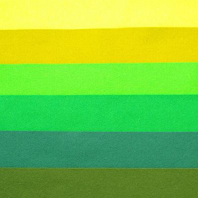 Набор лоскутов из войлока Richard Wernekinck Wolgroothander, 20 см х 30 см, 6 шт. 560221-Н06560221-Н06Набор Richard Wernekinck Wolgroothander состоит из 6 войлочных лоскутов разных цветов. В набор входят следующие цвета: салатовый (неон), яблоко, зеленый, темно-зеленый, бутылочный (темно-зеленый), хвоя. Войлок (фетр) произведен в Голландии на фабрике Richarda Wernekincka, где очень строгий контроль за качеством выпускаемой продукции. А многолетний опыт работы позволил добиться в производстве войлока (фетра) самого высокого класса. Данный войлок (фетр) очень мягкий и приятный на ощупь, стойкие, яркие цвета. Работа с ним доставит вам только положительные эмоции, а результат будет радовать вас долгие годы.