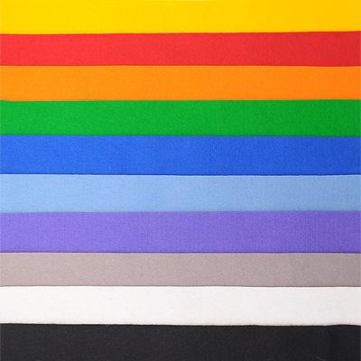Набор лоскутов из войлока Richard Wernekinck Wolgroothander, 20 см х 30 см, 10 шт. 560221-Н10560221-Н10Набор Richard Wernekinck Wolgroothander состоит из 10 войлочных лоскутов разных цветов. В набор входят следующие цвета: темно-желтый, апельсиновый, ярко-красный, серый, черный, темно-зеленый, белый, голубой, ультрамариновый (синий), фиалковый. Войлок (фетр) произведен в Голландии на фабрике Richarda Wernekincka, где очень строгий контроль за качеством выпускаемой продукции. А многолетний опыт работы позволил добиться в производстве войлока (фетра) самого высокого класса. Данный войлок (фетр) очень мягкий и приятный на ощупь, стойкие, яркие цвета. Работа с ним доставит вам только положительные эмоции, а результат будет радовать вас долгие годы.