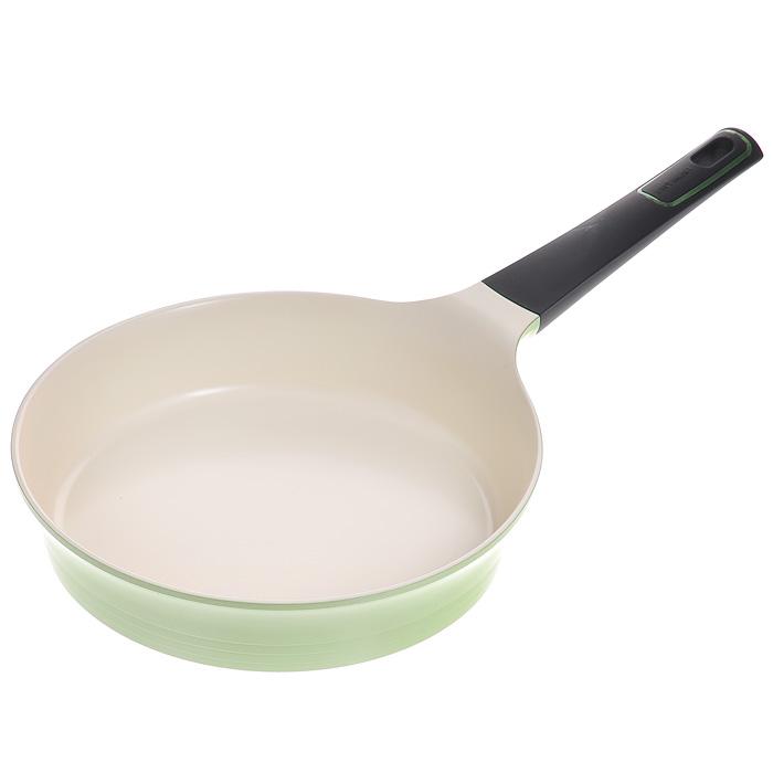 Сковорода Frybest, цвет: зеленый, кремовый. Диаметр 24 cмGRCA-F24Сковорода Frybest изготовлена по новейшей технологии из литого алюминия с керамическим антипригарным покрытием Ecolon Coating, в производстве которого используются только природные материалы, безопасные для здоровья. Особенности сковороды Frybest: - мощная основа из литого алюминия; - специальное утолщенное дно для идеальной теплопроводности; - эргономичная, удлиненная Soft-touch ручка - всегда остается холодной; - керамическое антипригарное покрытие, позволяющее готовить практически без масла; - керамика как внутри, так и снаружи. Легко готовить - легко мыть; - непревзойденная прочность и устойчивость к царапинам. Можно использовать металлические аксессуары; - слой анионов (отрицательно заряженных ионов), обладающих антибактериальными свойствами, намного дольше сохраняет приготовленную пищу свежей; - отсутствие токсичных выделений в процессе приготовления пищи благодаря экологичному покрытию, состоящему из натуральных...