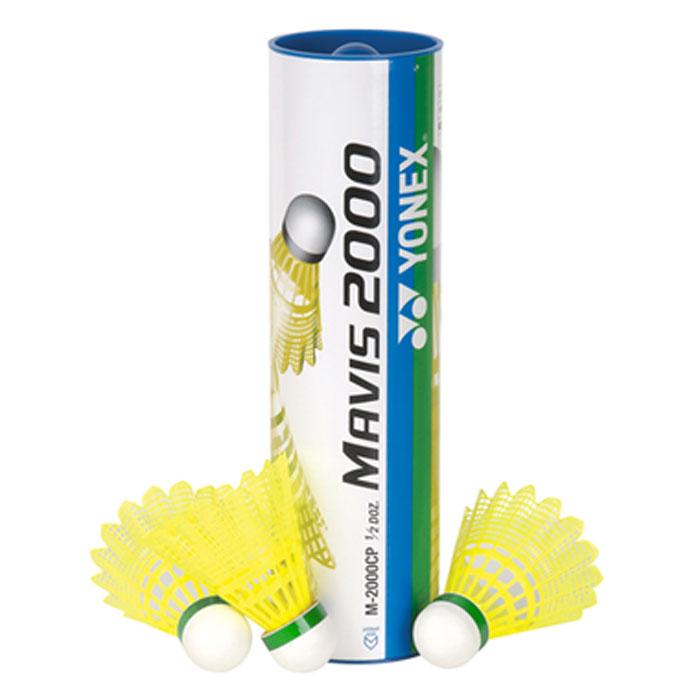 Воланы для бадминтона пластиковые Yonex Mavis 2000 slow, 6 штM-2000 slow/yYonex Mavis 2000 - качественные воланы из нейлоновых перьев. Благодаря наличию специальных ребер в конструкции юбки они лучше вращаются во время полета по заданной траектории. Mavis 2000 – новый бренд синтетических воланов от Yonex . Характеристики: Материал: пробка, пластик. Количество в упаковке: 6 шт. Размер упаковки: 24 см х 7 см х 7 см.