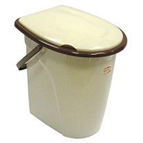 Ведро-туалет М-Пластика, цвет: бежевый, коричневый, 24 лМ2460Ведро-туалет М-Пластика - это портативный переносной туалет, который состоит из корпуса, крышки и съемного сиденья. Ведро-туалет предназначено для применения в местах, где отсутствуют системы стационарной канализации. Удобное, прочное и эргономичное, легко моется. При желании его можно использовать как обычное ведро. Для удобства переноски имеется ручка. Характеристики: Материал: пластик. Цвет: бежевый, коричневый. Объем: 24 л. Размеры ведра: 40 см x 34 см x 43 см. Артикул: М2460.