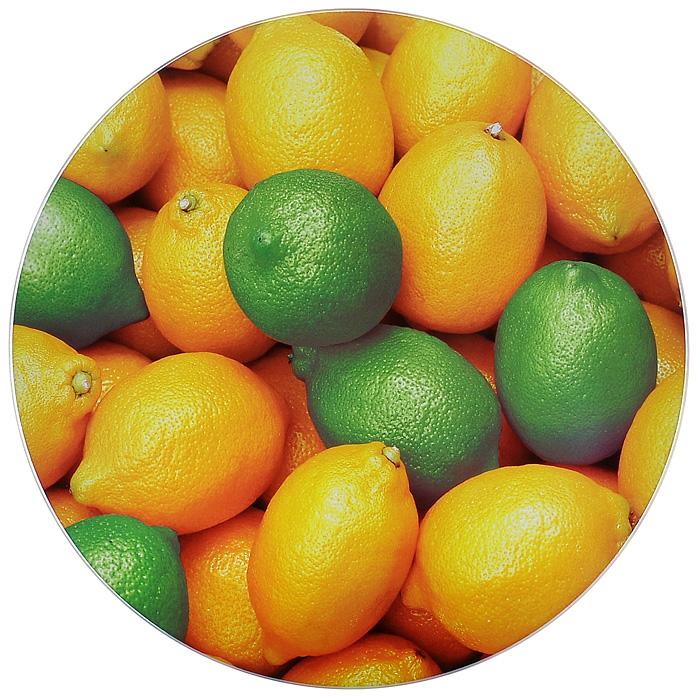 Доска разделочная Gotoff Лимон, стеклянная, диаметр 27 см. WTC2708WTC2708Разделочная доска Gotoff Лимон, выполненная из стекла, станет незаменимым атрибутом приготовления пищи. Доска круглой формы оформлена красочным изображением лимонов и лаймов. Устойчива к повреждениям и не впитывает запахи. Резиновые ножки не скользят по столу, придавая доске устойчивость. Доску можно использовать как подставку под горячее, так как она выдерживает температуру до 260°C. Гигиенична и проста в уходе. Моется с использованием обычных моющих средств или в посудомоечной машине. Главное преимущество стеклянной разделочной доски - дизайн. На стеклянных досках фантазия художников рождает целые шедевры: репродукции картин, натюрморты, пейзажи. Такое разнообразие в дизайне позволяет подобрать подходящую доску для любого интерьера. Стеклянную доску можно также использовать и для сервировки стола, это делает ее весьма привлекательной для рестораторов.