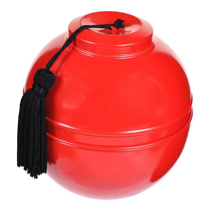 Panpuri Свеча ароматизированная Чайная коллекция - Утренняя матча, 140 г4Q6A0140Разлитая в красную жестяную чашу, свеча составит вам компанию в любой поездке. Чаша украшена шелковыми черными кистями - элегантный намек на восточную утонченность и внимание к деталям. Свеча из чайной коллекции Panpuri - это вручную созданный шедевр, который будет гореть древним, вечным огнем, наполняя комнату великолепным ароматом еще долго после того, как свеча догорит.