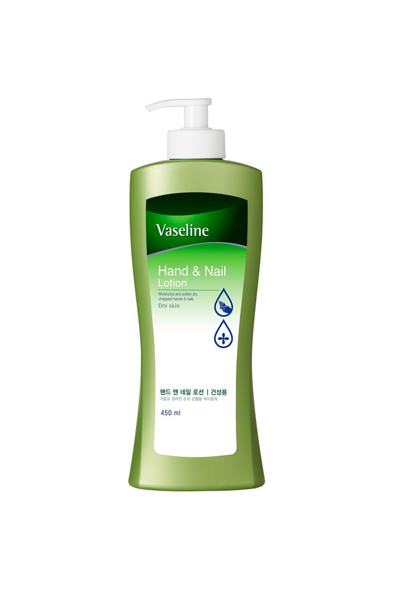 Vaseline Лосьон для рук и ногтей, 450 мл862438Лосьон Vaseline увлажняет кожу рук. Укрепляет и способствует формированию гладкой, блестящей поверхности ногтя. Мед и экстракт айвы эффективно увлажняют. Витамин Е защищает и питает кожу. Комплекс аминокислот и кератина питает кожу рук и ногти, защищает от преждевременного старения. Легко и быстро впитывается, не оставляет жирной и липкой пленки на коже. Характеристики: Объем: 450 мл. Артикул: 862438. Производитель: Корея. Товар сертифицирован.