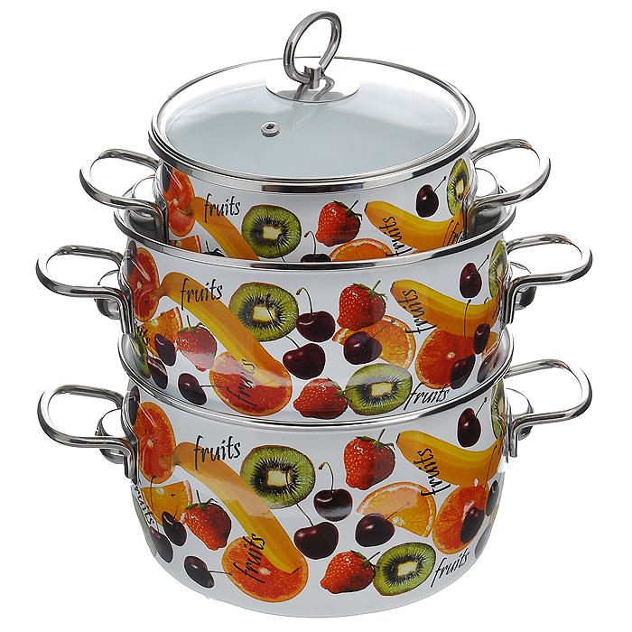 Набор кастрюль Fruits с крышками, 6 предметов. 1DA135S1DA135SНабор эмалированной посуды Fruits состоит из трех кастрюль разного объема с крышками. Посуда выполнена из тонколистового стального проката, покрытого двумя слоями эмали белого цвета. Корпус кастрюль оформлен изображением фруктов. Эмалевое покрытие имеет существенные преимущества по показателям безопасности влияния на организм человека, санитарным свойствам, простоте ухода и рассчитан на длительный срок эксплуатации. Оно устойчиво к перепадам температуры до 220°С, обладает высокой механической прочностью, противостоит воздействию пищевых кислот. Борта корпуса и крышки изделий защищены ободком из антикоррозийной стали. Крышки выполнены из жаропрочного стекла с ручками и ободками из нержавеющей стали, имеют пароотводы. Кастрюли оснащены по бокам эргономичными стальными ручками. Эмалированную посуду нельзя ронять, нагревать без жидкости, допускать замерзания в ней жидкости, чистить металлической мочалкой. Предметы набора пригодны для использования на всех видах...