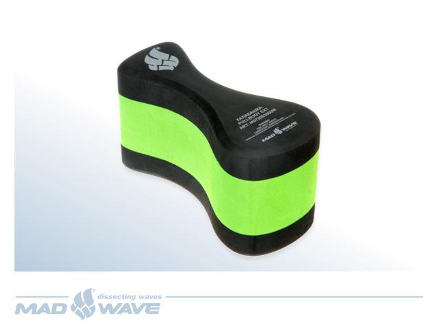 Колобашка для плавания MadWave Pull Buoy EXT, цвет: черный зеленыйM0720 03 0 00WКалабашка для плавания MadWave Pull Buoy EXT используется для улучшения техники плавания и тренировки мышц верхней части тела. Изолирует работу ног пловца, удерживая их в горизонтальном положении, позволяя сконцентрироваться на отработке техники движения рук.