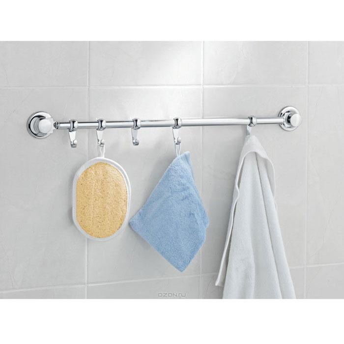 Планка для полотенец Tatkraft, с 5 крючками, длина 50 см10265-TKПланка для полотенец Tatkraft, выполненная из хромированной стали и пластика, предназначена для полотенец, прихваток, тканевых салфеток и может быть использована как на кухне, так и в ванной комнате. Планка Tatkraft прикрепляется к стене без сверления, благодаря двум вакуумным присоскам Everloc. Преимущества крепления с помощью вакуумной системы Everloc: мембрана из натурального каучука способствует лучшей фиксации на гладких поверхностях, силиконовое напыление делает надежной фиксацию на неровных поверхностях, винт Архимеда увеличивает прижимную силу, специальное кольцо крепления защищает от перекручивания винта.