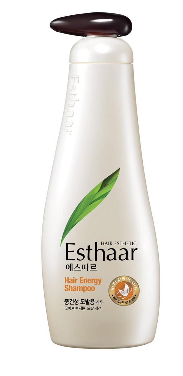 Esthaar Шампунь Энергия волос, для нормальной и сухой кожи головы, 500 г887547Шампунь Esthaar Энергия волос разработан по новейшей запатентованной технологии с применением молодых побегов целебных трав, известных своей высокой концентрацией лечебных веществ. Богатый 12 видами витаминов и минералов, шампунь укрепляет стержень волос, наполняет его жизненной силой и энергией, тем самым уменьшает ломкость и потерю. Шампунь состоит на 99% из растительных очищающих компонентов, что делает его низкоаллергенным. Имеет сертификат LOHAS (Lifestyles Of Health And Sustainability), что подтверждает его безопасность для здоровья человека и окружающей среды. Научные исследования доказали, что уже через неделю использования ломкие волосы становятся крепче на 117%. Характеристики: Вес: 500 г. Артикул: 887547. Производитель: Корея. Товар сертифицирован.