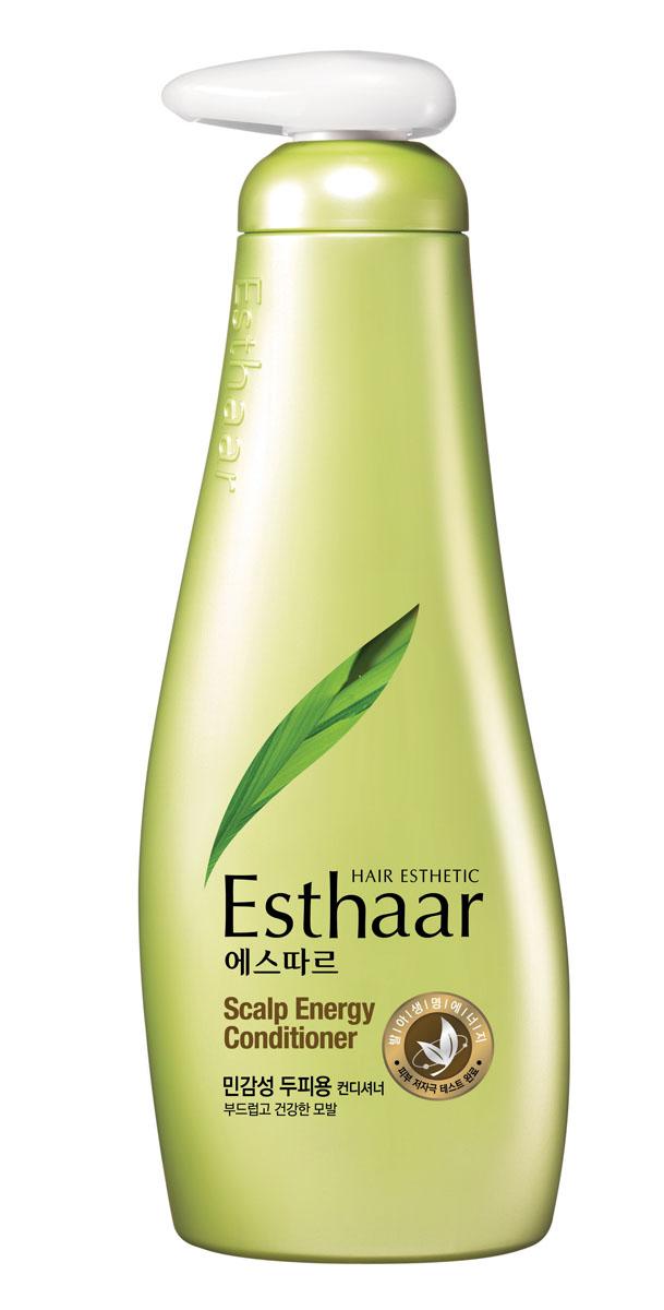 Esthaar Кондиционер Контроль над потерей волос, для чувствительной кожи головы, 500 мл887585Esthaar разработан по новейшей запатентованной технологии с применением молодых побегов целебных трав, известных своей высокой концентрацией лечебных веществ. Богатый 12 видами витаминов и минералов, кондиционер помогает закрепить результат действия шампуня Esthaar. Кондиционер состоит на 99% из растительных очищающих компонентов, что делает его низкоаллергенным. Имеет сертификат LOHAS (Lifestyles Of Health And Sustainability), что подтверждает его безопасность для здоровья человека и окружающей среды. Научные исследования доказали, что при регулярном использовании значительно улучшается состояние волос. Результат применения: На 71% снижается выпадение волос; на 77% волосы становятся крепче; на 82% защищены от потери питательных веществ. Характеристики: Объем: 500 мл. Артикул: 887585. Производитель: Корея. Товар сертифицирован.