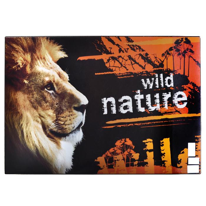 Настольная подкладка для письма Дикая природа, 66 см х 43 смC27323Настольная подкладка для письма Дикая природа не только обеспечит комфортную работу, но и предохранит поверхность рабочего стола от различных повреждений. Она выполнена из плотного ПВХ и оформлена изображением льва. Сбоку на подкладке расположен прозрачный кармашек для бумаг. Характеристики: Размер подкладки: 66 см x 43 см.