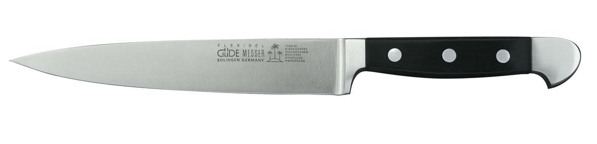 Нож Alpha, филейный, длина лезвия 18 см. 1765/181765/18Филейный нож Alpha выполнен из высококачественной нержавеющей стали, рукоятка изготовлена из пластика черного цвета. Каждый нож серии Alpha представляет собой сначала выкованное вручную лезвие из хромистой стали с ванадиевыми и молибденовыми добавками. Дальнейшая обработка требует более 30 ручных операций. Безупречно отполированная рукоятка изготавливается из крепкого, не требующего особого ухода пластика (Hostaform). Закаленные, нержавеющие, заточенные вручную ножи серии Alpha подходят для мытья в посудомоечной машине.