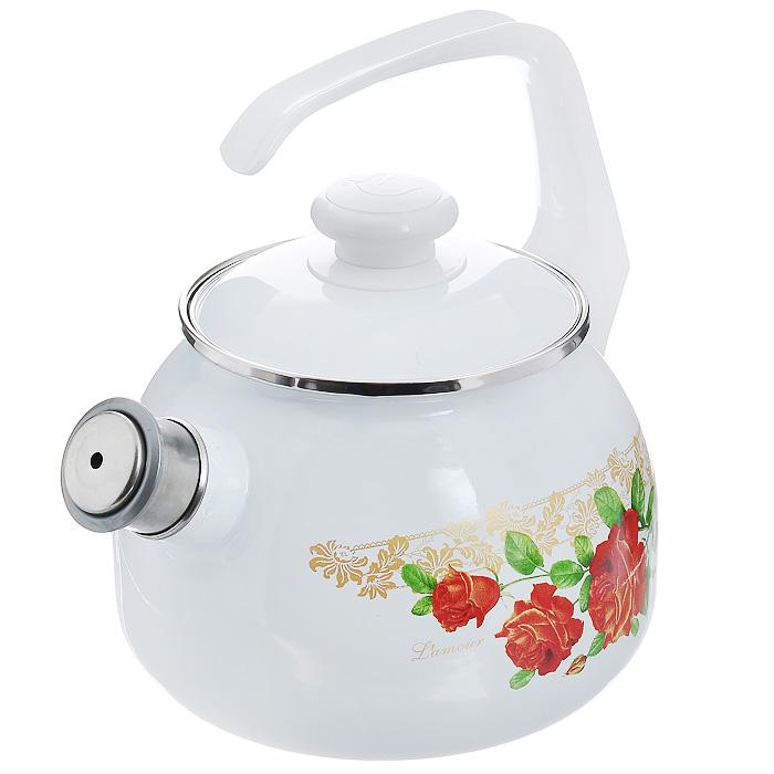 Чайник эмалированный Lamour, со свистком, 2,5 л27114АП_2711АП10/4 LamourЧайник Lamour выполнен из высококачественной стали и покрыт эмалью белого цвета. Чайник имеет классическую форму, оснащен удобной ручкой. Корпус оформлен изображением цветов. Носик чайника имеет съемный свисток, звуковой сигнал которого подскажет, когда закипит вода. Такой чайник не требует особого ухода и его легко мыть. Благодаря классическому дизайну и удобству в использовании чайник займет достойное место на вашей кухне. Характеристики: Материал: сталь, эмаль, пластик. Цвет: белый. Объем: 2,5 л. Диаметр основания чайника: 17 см. Высота чайника с учетом ручки: 25 см. Размер упаковки: 25 см х 19 см х 19 см.