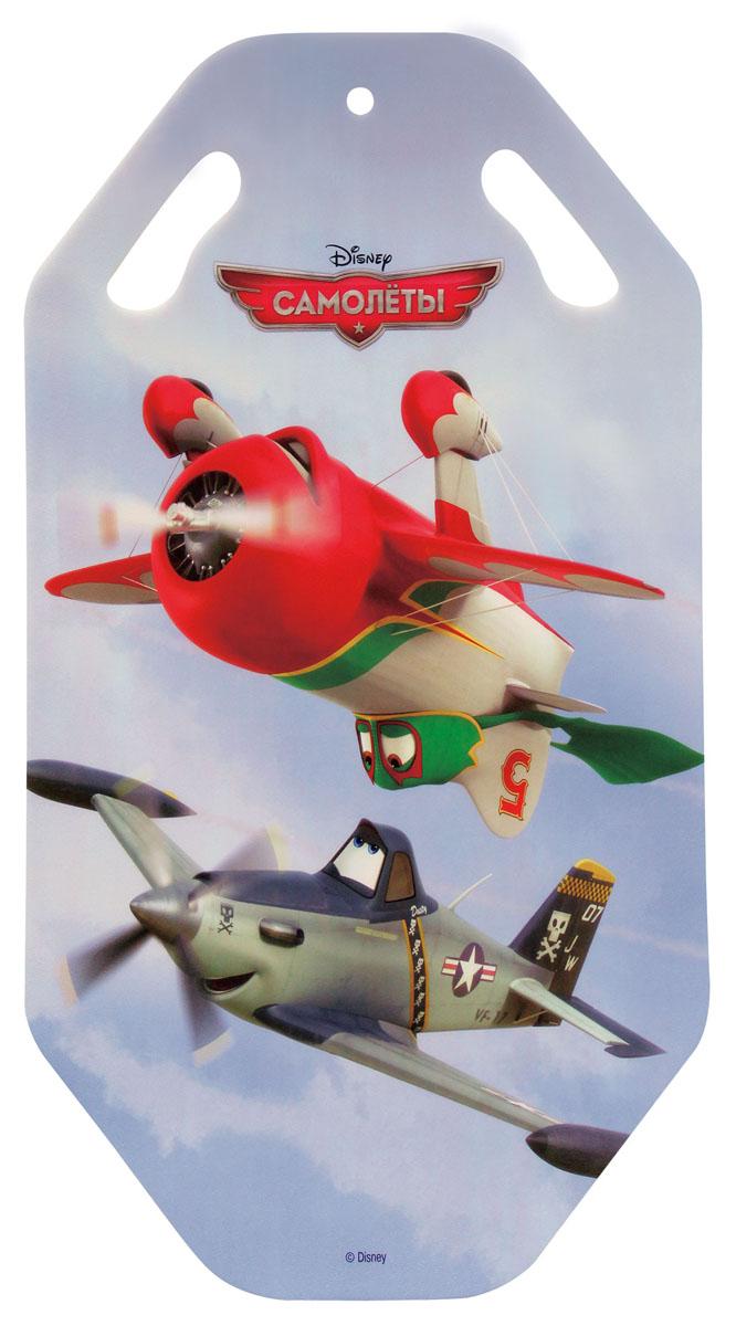 Ледянка Disney Самолеты, длина 92 смТ56365Ледянка с красочным дизайном героев популярного мультфильма Самолеты от Disney. Несмотря на то, что ледянка очень легкая и прочная, на ней можно кататься практически с любых горок. Изготовлена из прочного вспененного пластика. Прорези для рук позволят не упасть при спуске с крутых горок. Яркий рисунок будет долго держаться даже при интенсивном катании.