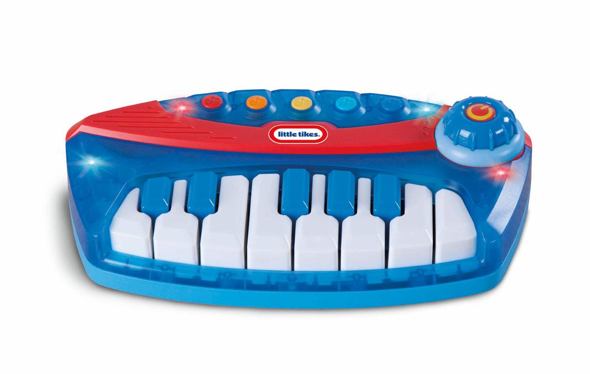 Игрушка музыкальная Little Tikes Пианино626197Яркая музыкальная игрушка Little Tikes Пианино выполнена из безопасного пластика синего и красного цветов в виде небольшого пианино и оснащена световыми и звуковыми эффектами. На панели пианино расположены 13 клавиш, воспроизводящих ноты, и 5 кнопок, при нажатии на которые ребенок сможет прослушать различные мелодии и использовать их для составления собственных шедевров. Звуки мелодий сопровождаются миганием разноцветных лампочек на панели игрушки, воспроизведение ноты - подсвечиванием данной клавиши. Игрушка включается при поворачивании колесика, имеет два режима громкости. Музыкальная игрушка Little Tikes Пианино способствует развитию у ребенка музыкальных способностей, а также цветового и звукового восприятия, мелкой моторики рук и воображения. С помощью этого пианино ребенок сможет порадовать друзей и близких великолепным концертом! Характеристики: Размер игрушки (ДхШхВ): 25 см х 14 см х 6 см. Размер упаковки (ДхШхВ): ...