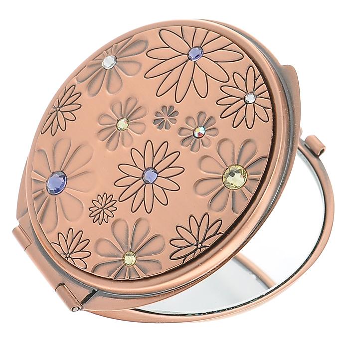 Зеркало двухстороннее Jardin DEte. 98-096298-0962Компактное двухстороннее зеркало Jardin DEte станет незаменимым аксессуаром в сумочке любой модницы. В круглом стальном корпусе с покрытием из розового золота внутри находятся два зеркальца: обычное и увеличивающее. Корпус оформлен фигурной гравировкой в виде цветков, украшенных разноцветными стразами. Такое зеркальце станет отличным подарком представительнице прекрасного пола и подчеркнет ее неповторимый стиль. Зеркало упаковано в подарочную коробку розового цвета. В комплекте - текстильный мешочек на завязках для хранения.