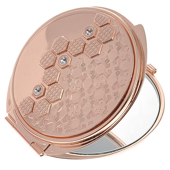 Зеркало двухстороннее Jardin DEte. 98-097898-0978Компактное двухстороннее зеркало Jardin DEte станет незаменимым аксессуаром в сумочке любой модницы. В круглом стальном корпусе с покрытием из розового золота внутри находятся два зеркальца: обычное и увеличивающее. Корпус оформлен рельефным изображением со стразами белого цвета. Такое зеркальце станет отличным подарком представительнице прекрасного пола и подчеркнет ее неповторимый стиль. Зеркало упаковано в подарочную коробку розового цвета. В комплекте - текстильный мешочек на завязках для хранения. Характеристики: Материал: сталь, розовое золото, стекло. Диаметр зеркала: 5,5 см. Размер упаковки: 11 см х 12,5 см х 3 см. Изготовитель: Китай. Артикул: 98-0978.