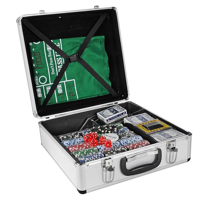 Набор для покера Poker Game Set. CG1012CG1012Набор для игры в покер - то, что нужно для отличного проведения досуга. Набор состоит из 6 колод игральных карт, 600 игровых фишек без номинала, фишки Dealer, 5 игральных кубиков красного цвета, шафл- машинки, подставки для выдачи карт и сукна. Набор фишек состоит из 120 фишек белого цвета, 120 фишек красного цвета, 120 фишек зеленого цвета, 120 фишек синего цвета и 120 фишек черного цвета. Сукно выполнено из войлока зеленого цвета и оформлено разметкой для игры. Шафл-машинка, выполненная из пластика, предназначена для качественного перемешивания карт. Работает от 4 батареек типа АА. Подставка для выдачи карт изготовлена из прозрачного пластика. Карты выполнены из плотного картона с пластиковым покрытием. Предметы набора хранятся в элегантном металлическом кейсе, закрывающемся на замки-защелки. В комплекте - 2 ключа. Для удобства переноски на кейсе предусмотрена ручка. Такой набор станет отличным подарком для любителей покера. Покер (англ....
