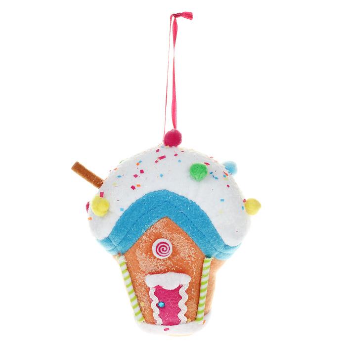 Новогоднее подвесное украшение Домик. 2536525365Оригинальное новогоднее украшение выполнено из полиэстера в виде разноцветного домика из сладостей, украшенного блестками. Благодаря текстильной ленточке вы можете подвесить его в любом месте, где оно будет удачно смотреться, и радовать глаз. Но, конечно же, удачнее всего оно будет смотреться на праздничной елке. Новогодние украшения приносят в дом волшебство и ощущение праздника. Создайте в своем доме атмосферу веселья и радости, украшая его всей семьей. Коллекция декоративных украшений из серии Magic Time принесет в ваш дом ни с чем несравнимое ощущение волшебства!