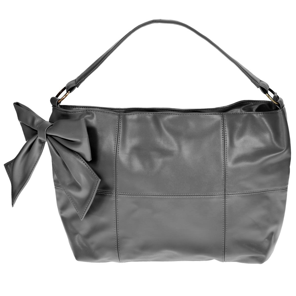 Сумка женская Marmalato, цвет: серый. 328-195_42182328-195_42182Оригинальная женская сумка Marmalato, выполненная из искусственной кожи серого цвета, спереди оформлена вставкой из кожи в виде бантика. Сумка закрывается на застежку-молнию. Состоит из одного большого отделения, внутри вшитый карман на застежке-молнии и два нашивных кармана для мелочей. Этот стильный аксессуар станет великолепным дополнением вашего образа. Характеристики: Цвет: серый. Размер (без учета ручек): 44 см х 31 см х 12 см. Высота ручек: 11 см. Материал сумки: искусственная кожа, металл, текстиль. Производитель: Китай. Артикул: 328-195_42182. Рекомендации по уходу: Чистить изделие из искусственной кожи следует влажным тампоном из ваты или поролона, смоченным в теплом растворе моющего средства для синтетики. Сушить при комнатной температуре в подвешенном виде. Важно не намочить изнанку и подкладочную ткань - это может повлечь за собой деформацию изделия. Не стоит обрабатывать изделия из искусственной кожи кремами -...