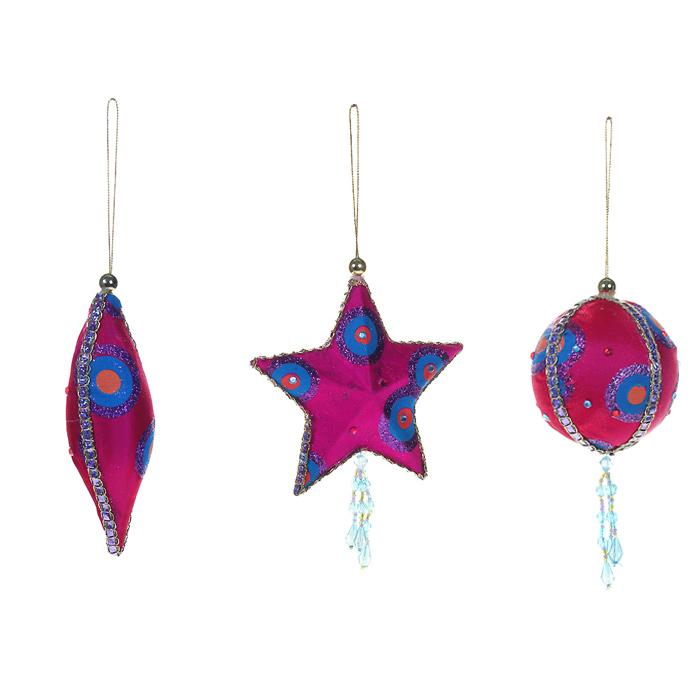 Набор Елочные украшения, 3 предмета. 1266412664Набор «Елочные украшения» включает три оригинальные новогодние игрушки, выполненные из пластика в виде звезды, шара и сосульки. Игрушки обтянуты тканью ярко-розового цвета и украшены блестками, стразами и бусинами. С помощью специальных петелек украшения можно повесить в любом понравившемся вам месте. Но, конечно, удачнее всего такие игрушки будут смотреться на праздничной елке. Новогодние украшения приносят в дом волшебство и ощущение праздника. Создайте в своем доме атмосферу веселья и радости, украшая всей семьей новогоднюю елку нарядными игрушками, которые будут из года в год накапливать теплоту воспоминаний. Коллекция декоративных украшений из серии Magic Time принесет в ваш дом ни с чем несравнимое ощущение волшебства!