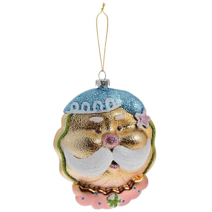 Новогоднее подвесное украшение Дед Мороз. 2588925889Оригинальное новогоднее украшение выполнено из пластика в виде головы Дедушки Мороза в голубом колпаке и с пышными белыми усами. Украшение декорировано блестками. С помощью специальной петельки его можно повесить в любом понравившемся вам месте. Но, конечно же, удачнее всего такая игрушка будет смотреться на праздничной елке. Новогодние украшения приносят в дом волшебство и ощущение праздника. Создайте в своем доме атмосферу веселья и радости, украшая всей семьей новогоднюю елку нарядными игрушками, которые будут из года в год накапливать теплоту воспоминаний. Коллекция декоративных украшений из серии Magic Time принесет в ваш дом ни с чем несравнимое ощущение волшебства!