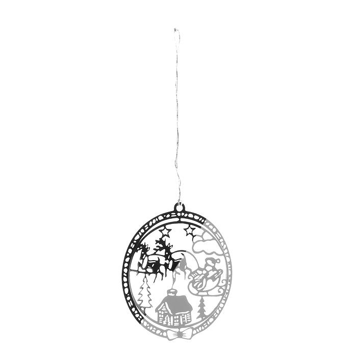 Новогоднее подвесное украшение Сани, цвет: серебристый. 3163131631Оригинальное новогоднее украшение «Сани» прекрасно подойдет для праздничного декора вашего дома и новогодней ели. Украшение выполнено из черного металла, окрашенного золотистой краской, и оформлено перфорацией. С помощью текстильной петельки изделие можно повесить в любое понравившееся место. Но, конечно, удачнее всего оно будет смотреться на новогодней елке. Елочная игрушка - символ Нового года. Она несет в себе волшебство и красоту праздника. Создайте в своем доме атмосферу веселья и радости, украшая новогоднюю елку нарядными игрушками, которые будут из года в год накапливать теплоту воспоминаний. Характеристики: Материал: металл, текстиль. Цвет: серебристый. Диаметр украшения: 5 см. Размер упаковки: 6,5 см х 8 см х 2,5 см. Артикул: 31631.