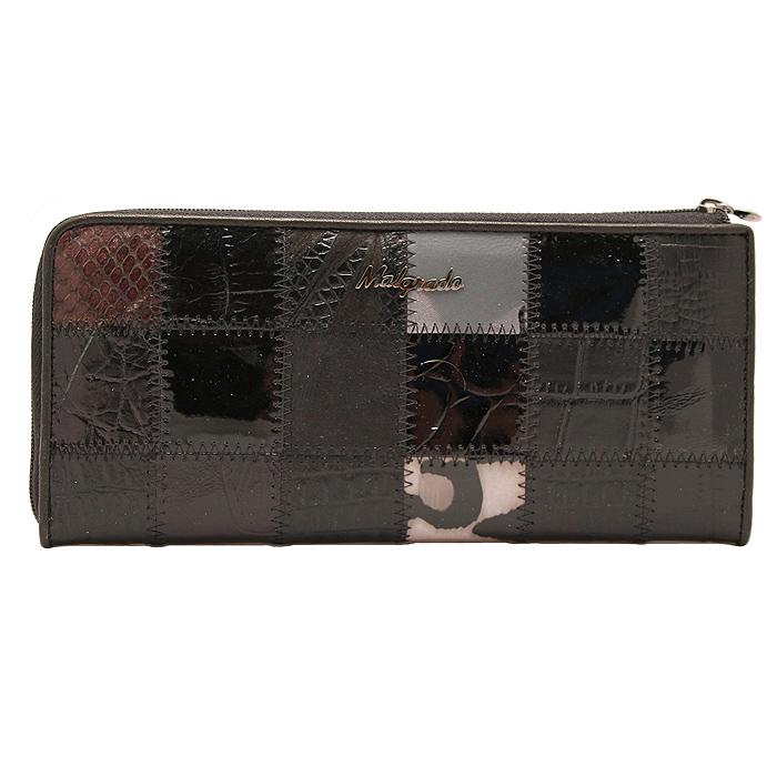 Кошелек Malgrado, цвет: черный. 76002A-239A76002A-239A BlackСтильный и модный клатч Malgrado изготовлен из натуральной кожи черного цвета с комбинированным тиснением и застегивается на молнию. Клатч имеет два отделения для купюр, карман на молнии и два горизонтальных кармана для бумаг. Внутри также расположены двенадцать отделений для дисконтных карт, визиток и кредиток. Снаружи, на оборотной стороне расположен карман на молнии. Такая модель клатча очень актуальна в этом сезоне. Клатч упакован в коробку из плотного картона с логотипом фирмы.