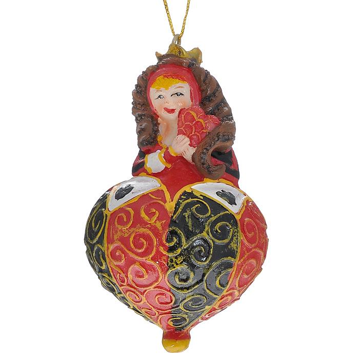 Новогоднее подвесное украшение Королева, цвет: красный, черный. 3047630476Оригинальное новогоднее украшение выполнено из полирезины в виде карточной королевы. С помощью специальной петельки украшение можно повесить в любом понравившемся вам месте. Но, конечно же, удачнее всего такая игрушка будет смотреться на праздничной елке. Новогодние украшения приносят в дом волшебство и ощущение праздника. Создайте в своем доме атмосферу веселья и радости, украшая всей семьей новогоднюю елку нарядными игрушками, которые будут из года в год накапливать теплоту воспоминаний.