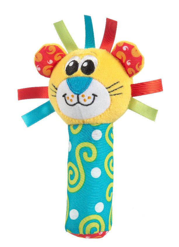 Игрушка-пищалка Playgro Лев, цвет: желтый, бирюзовый0183442Яркая игрушка-пищалка Playgro Лев привлечет внимание вашего малыша и не позволит ему скучать. Она выполнена из текстильных материалов разных цветов и фактур в виде головы льва, которая крепится к мягкой ручке. Внутри ручки спрятана пищалка. Стоит малышу ее сжать, как он услышит забавный звук. Игрушка очень удобна для держания маленькими детскими ручками. Малыш сможет ее держать, трясти, перекладывать из одной ручки в другую. Игрушка-пищалка Лев способствует развитию мышления, координации движений, звукового и цветового восприятия, тактильных ощущений, совершенствует моторику нежных пальчиков малыша. Характеристики: Рекомендуемый возраст: от 3 месяцев. Высота игрушки: 15 см. Изготовитель: Китай.