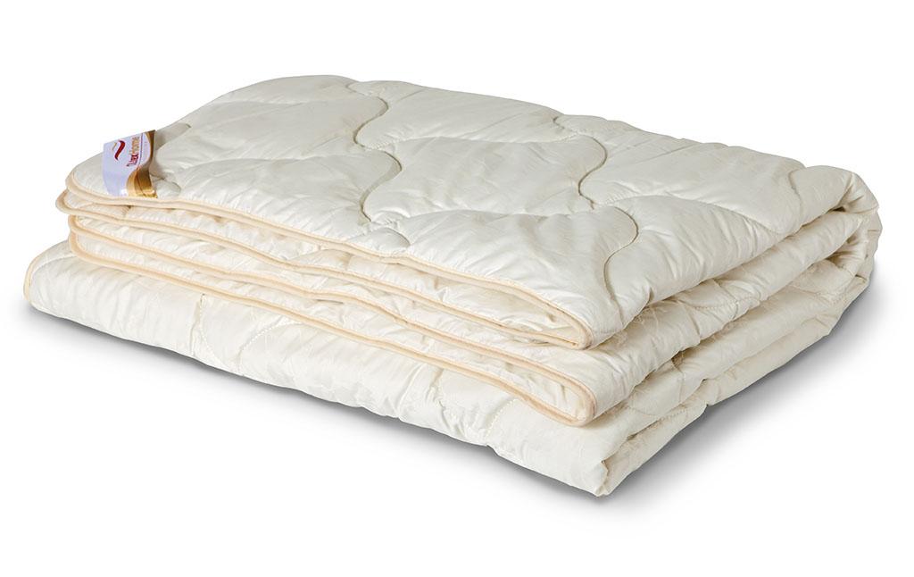 Одеяло всесезонное OL-Tex Ангора, наполнитель: шерсть ангорской козы, цвет: кремовый, 140 см х 205 смОАС-15-3Всесезонное одеяло OL-Tex Ангора подарит невероятный комфорт и мягкость во время сна. Чехол выполнен из сатина кремового цвета, оформлен фигурной стежкой и кантом по краю. Стежка равномерно удерживает наполнитель в чехле, а кант держит форму изделия. Внутри - наполнитель из шерсти ангоры (козий пух). Издавна козий пух величали не иначе как мягкое золото. Ни одна шерсть не отличается такой мягкостью, нежностью, легкостью и теплотой. Изделия из козьего пуха благотворно влияют на людей, страдающих гипертонией, остеохондрозом, радикулитом, артритом. Помогают в профилактике простудных заболеваний. Натуральный козий пух: - прекрасно впитывает влагу, создавая сухое тепло, - гигроскопичен, обладает очень низкой теплопроводностью, - не вызывает аллергических реакций. Шерсть ангоры придает изделию необыкновенную легкость и мягкость, в которую хочется окунуться. Великолепное одеяло подарит Вам сухое и целебное тепло шерсти ангорской козы....