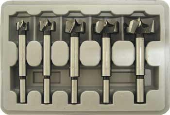 Набор Fit  Сверла Форстнера, 15-35 мм, 5 шт36552Набор сверл Форстнера Fit предназначен для высверливания отверстий и углублений точного диаметра в дереве. Сверла изготовлены из высокоуглеродистой термообработанной полированной инструментальной стали.