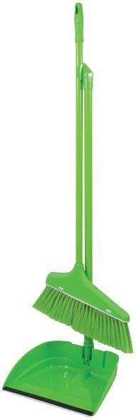 Набор для уборки Грасс, цвет: салатовый, 2 предмета-140218568947Набор для уборки Грасс включает в себя совок и мини-швабру с длинными ручками. Предметы набора выполнены из высококачественного прочного пластика салатового цвета. Мини-швабра оснащена упругой щетиной салатового цвета. Благодаря наличию длинных ручек совком и шваброй очень удобно пользоваться, при уборке можно не отодвигать крупногабаритную мебель, можно комфортно протереть стены от пыли за шкафами. Также такой шваброй очень удобно и легко протирать потолки. Характеристики: Материал: пластик. Длина ручки совка: 67 см. Длина ручки швабры: 60 см. Размер рабочей части совка (Ш х Д х В): 20 см х 24 см х 6 см. Размер рабочей части швабры (Ш х Д х В): 15 см х 23 см х 2 см. Длина щетины швабры: 7 см. Размер упаковки: 90 см х 28 см х 20 см. Артикул: 68947.